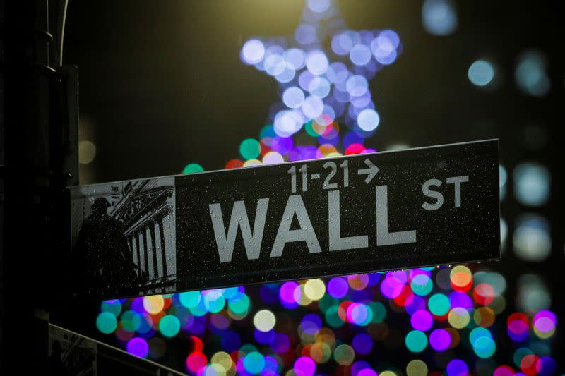 USA stocks end almost flat at early close for Christmas