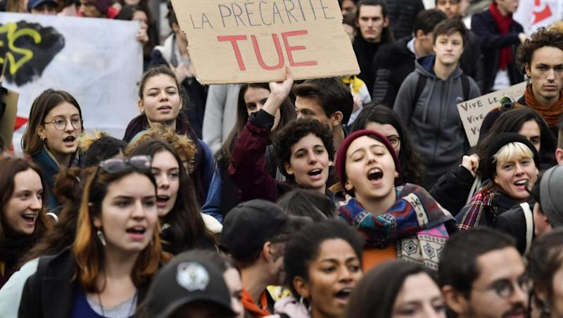 Students demand anti-poverty measures ahead of general strike