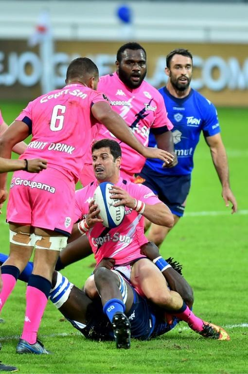South African fly-half Morne Steyn (C) will begin his final game for Stade Francais on the bench in the Paris derby (AFP Photo/REMY GABALDA)
