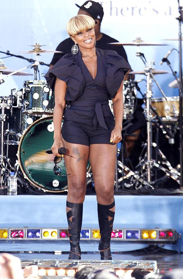 "Mary J. Blige is 39 (and oh-so-fine), but wouldn't she have been more comfortable performing on ""Good Morning America"" wearing something a little less snug? Brian Ach/<a href=""http://www.wireimage.com"" target=""new"">WireImage.com</a> - July 2, 2010"