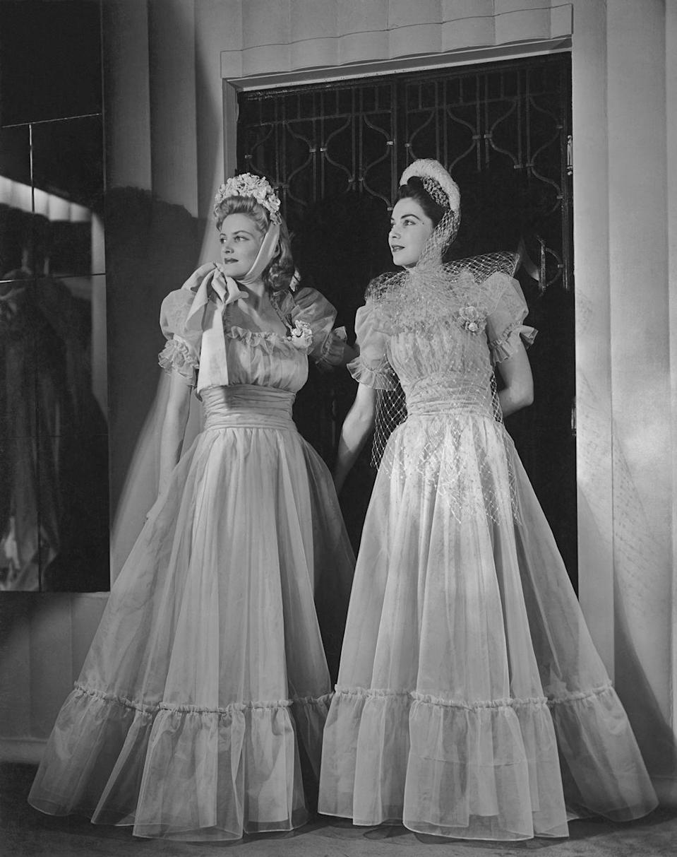 <p>Glamorous full skirts were all the rage in the '30s, as were ruffles and full sleeves, which resulted in a Little Bo-Peep-inspired style that was all the rage.</p>