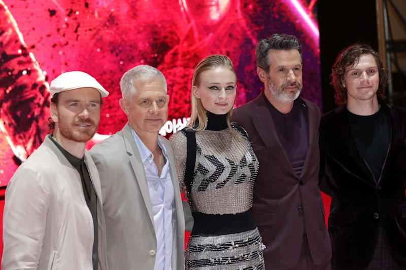 "SEOUL, SOUTH KOREA - MAY 27: (L-R) Michael Fassbender, Sophie Turner, director Simon Kinberg, producer Hutch Parker and Evan Peters attend the South Korean premiere of ""X-Men: Dark Phoenix"" on May 27, 2019 in Seoul, South Korea. The film will open on June 05, in South Korea. (Photo by Han Myung-Gu/WireImage)"