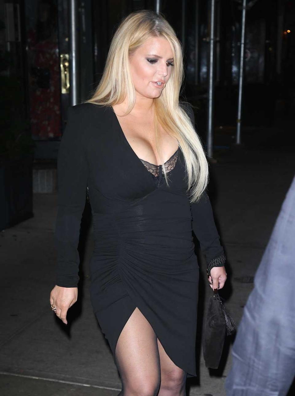 Jessica Simpson shows off 45kg weightloss. Photo: MEGA.
