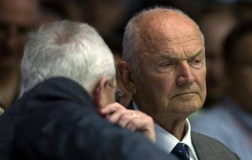 Former 'Mr Volkswagen' Piech in talks to pull stake