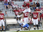 Alabama's offense finds a new weapon in blowout over Kentucky