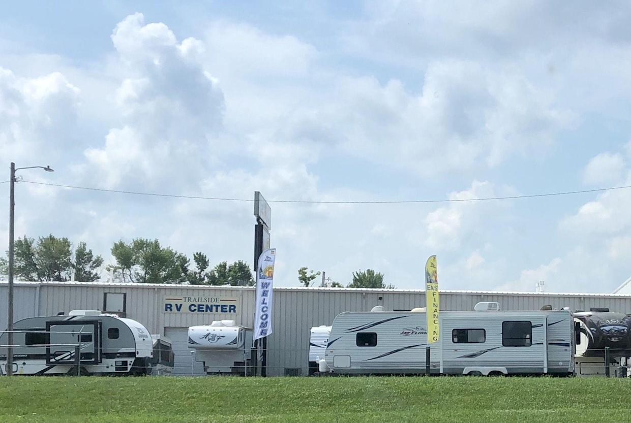 RV Dealership from road, signs and rvs