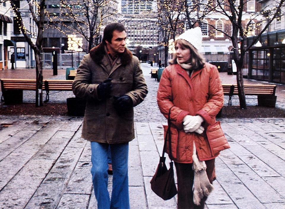 <p>Two years later, Reynolds and Clayburgh teamed up again for the comedy <em>Starting Over</em>. (Photo: Paramount Pictures/Courtesy: Everett Collection) </p>