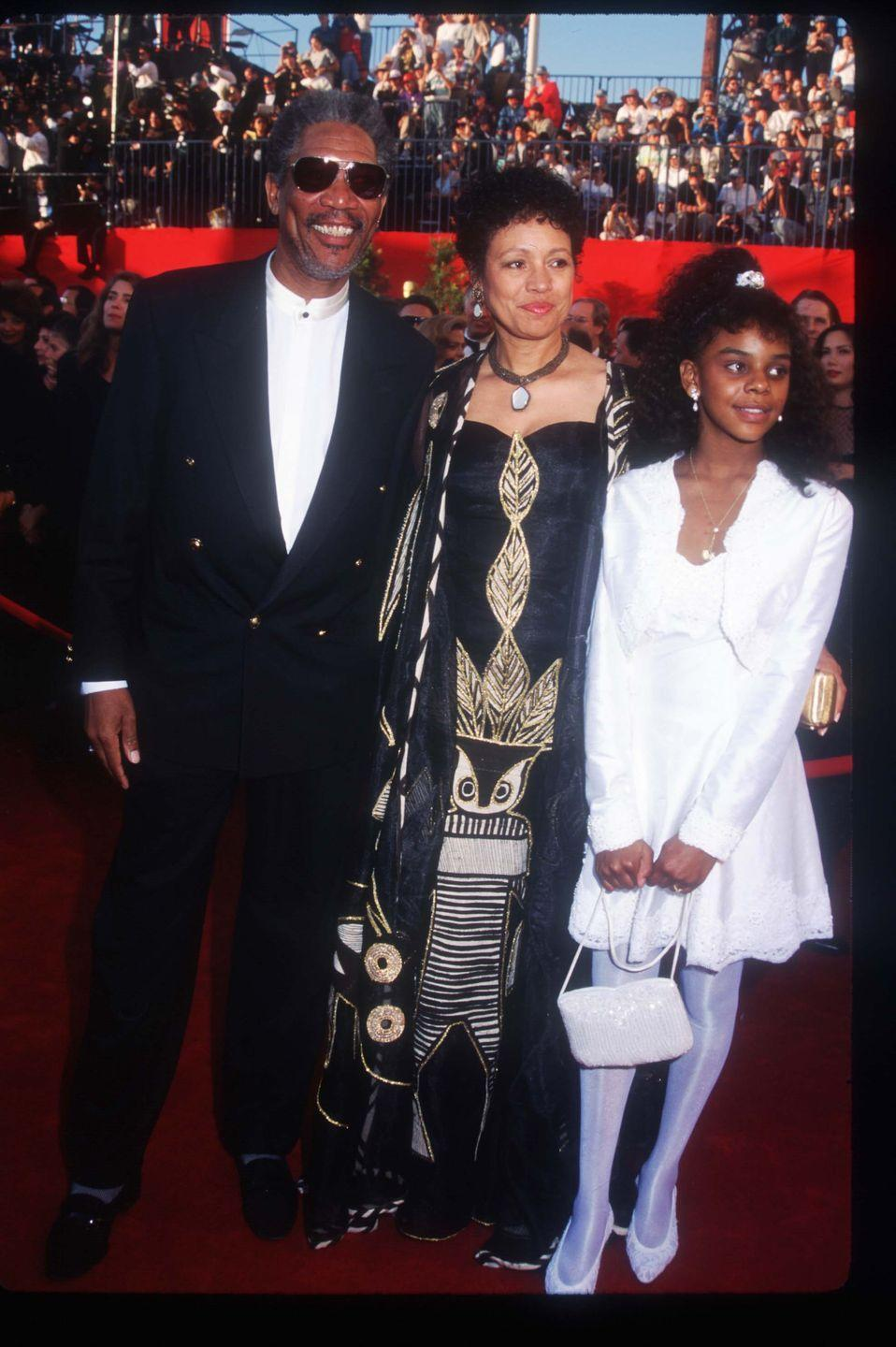 <p> Best Actor nominee Morgan Freeman hit the red carpet with his wife and daughter on his arm.</p>