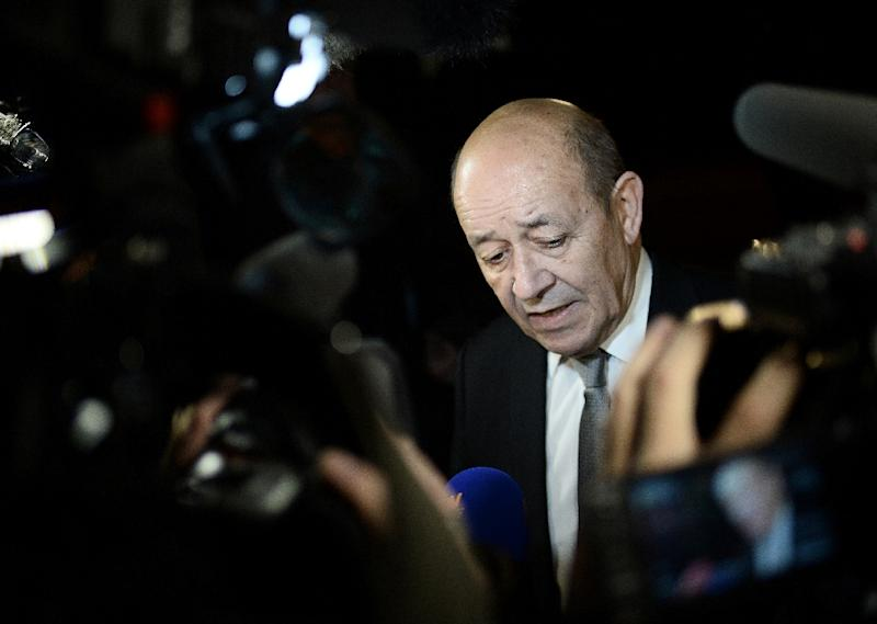 """French Defence Minister Jean-Yves Le Drian says there is an """"urgent"""" need for a political solution to the crisis in Libya to help combat the spread of the Islamic State group (IS) (AFP Photo/Stephane De Sakutin)"""