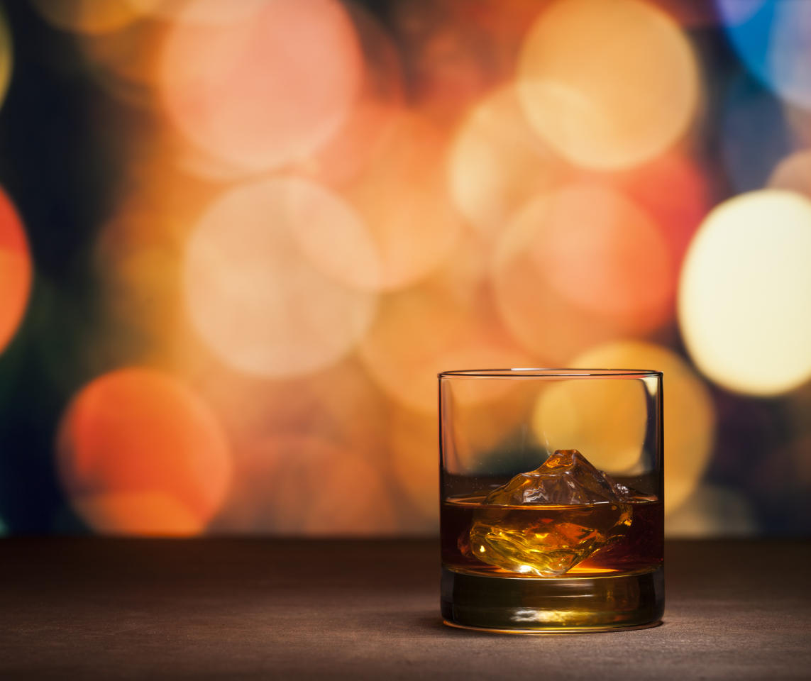 "<p>""Whiskey! Single malt scotch whiskey. If it's less than £30 don't bother...""  - <em><a rel=""nofollow"" href=""https://www.reddit.com/r/AskReddit/comments/7bcfkp/men_of_reddit_what_is_a_christmas_gift_you_would/dpgzuhk/"">Entheist</a></em></p>"