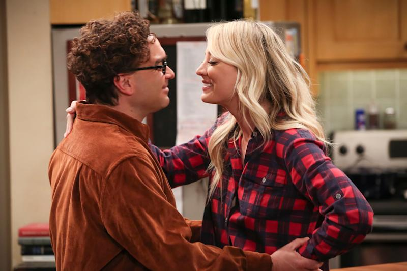 """""""The Stockholm Syndrome"""" - Pictured: Leonard Hofstadter (Johnny Galecki) and Penny (Kaley Cuoco). Bernadette and Wolowitz leave their kids for the first time, Penny and Leonard try to keep a secret, Sheldon and Amy stick together, and Koothrappali makes a new friend as the gang travels together into an uncharted future, on the series finale of THE BIG BANG THEORY, Thursday, May 16 (8:30 - 9:00PM, ET/PT) on the CBS Television Network. Photo: Michael Yarish/CBS ©2019 CBS Broadcasting, Inc. All Rights Reserved"""