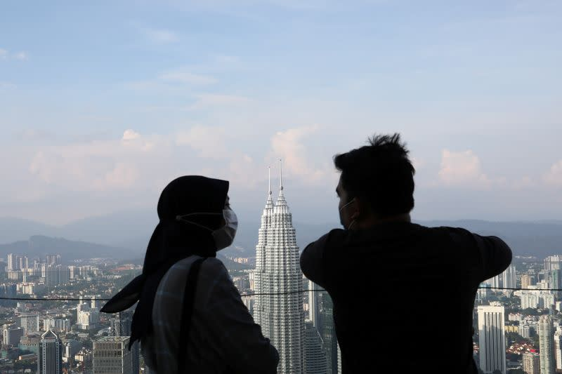 Malaysia considers making face masks compulsory in public