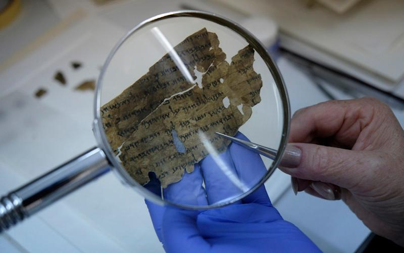 Israeli scholars decipher Dead Sea Scroll