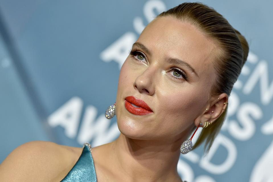 LOS ANGELES, CALIFORNIA - JANUARY 19: Scarlett Johansson attends the 26th Annual Screen Actors Guild Awards at The Shrine Auditorium on January 19, 2020 in Los Angeles, California. (Photo by Axelle/Bauer-Griffin/FilmMagic)
