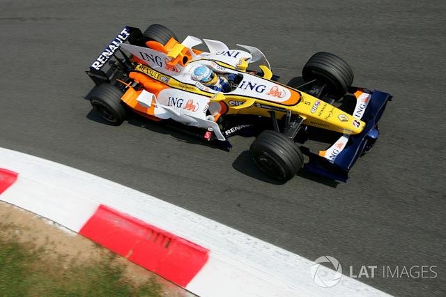 "2008: Renault R28 <span class=""copyright"">Sutton Motorsport Images</span>"