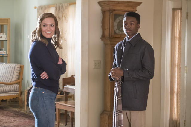 <p>Mandy Moore as Rebecca and Niles Fitch as Randall in NBC's <i>This Is Us</i>.<br> (Photo: Ron Batzdorff/NBC) </p>
