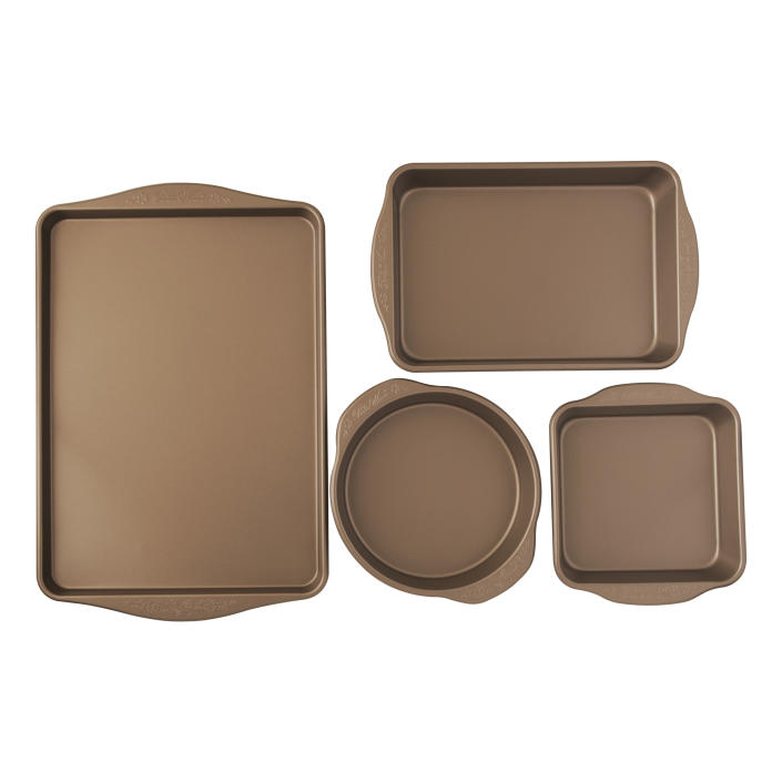 Did someone say dessert? This set is all you need to make cookies, cakes, loaves and more. (Photo: Walmart)