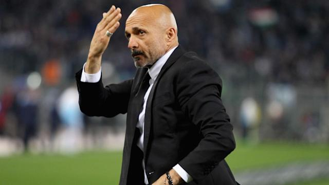 Daniele De Rossi believes Roma should be doing everything they can to keep Luciano Spalletti as coach despite some criticising him.