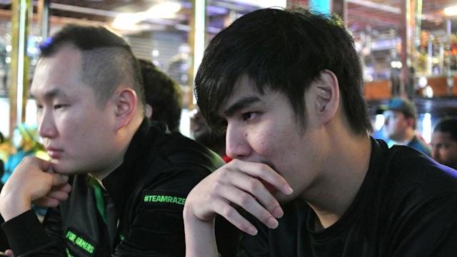 Xian Ho Kun (right) had quite an impressive 2016given he was playing FANG, one of the most challenging characters in SFV. (Michael Martin)