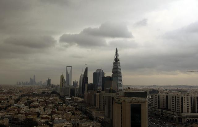 Clouds move over the Riyadh skyline November 17, 2013. Picture taken November 17, 2013. REUTERS/Faisal Al Nasser (SAUDI ARABIA – Tags: CITYSCAPE SOCIETY ENVIRONMENT)
