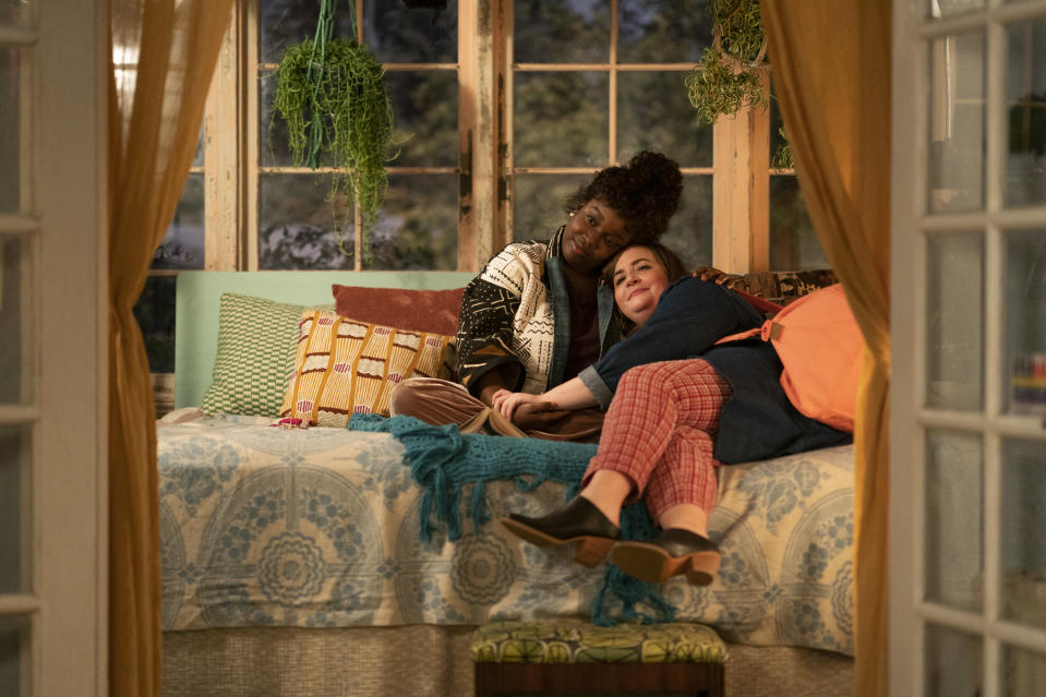 SHRILL -- Episode 308 - The Thorn staff hears rumors that the paper has been sold. Annie crosses a boundary with Will and puts their relationship in jeopardy, while Fran and Emily have a serious fight. Fran and Annie lean on each other and wonder about their future. Fran (Lolly Adefope) and Annie (Aidy Bryant), shown. (Photo by: Allyson Riggs/Hulu)