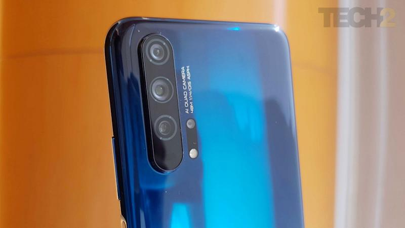 The Honor 20 Pro features a large quad-camera setup on the back. Image: tech2/Shomik