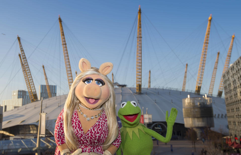 Miss Piggy and Kermit the Frog are seen at the o2 ahead of their 'Muppets Take The o2' shows at The O2 Arena on February 22, 2018 in London, England. (Photo by Antony Jones/Getty Images for AEG – The o2)