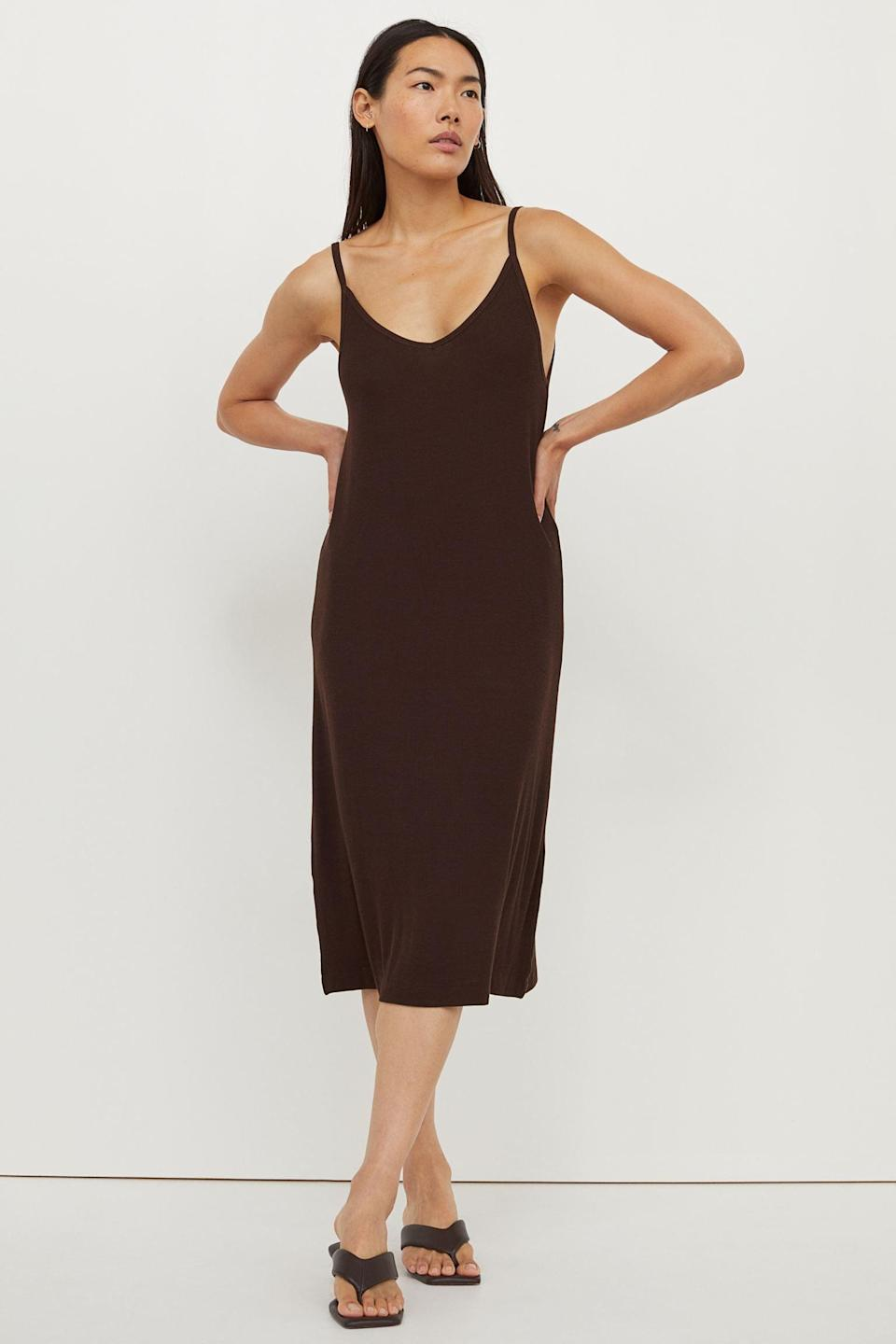 <p>You're now onto the second date, and you're wondering where to find a relaxed yet still elevated slip-style dress? This <span>Ribbed Jersey Dress</span> ($15, originally $18) is the answer.</p>