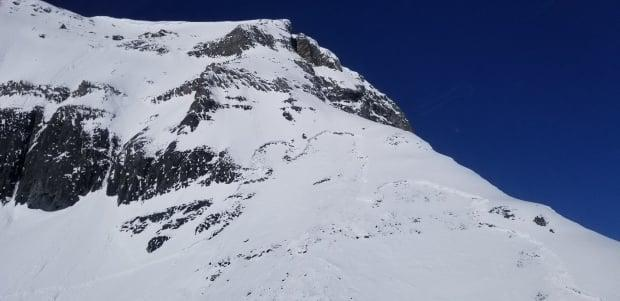 The fracture line from a fatal avalanche on Haddo Peak in Banff National Park on Monday. (Submitted by Parks Canada - image credit)