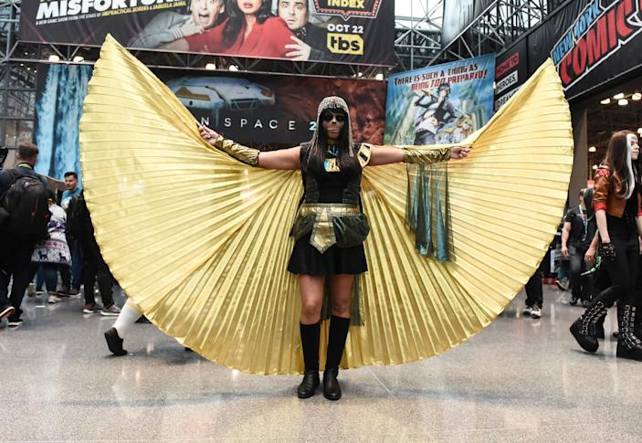 """<div class=""""inline-image__caption""""><p>A cosplayer poses as a character from Planet of the Apes during New York Comic Con 2019 on October 03, 2019 in New York City. </p></div> <div class=""""inline-image__credit"""">DANIEL ZUCHNIK/Getty</div>"""