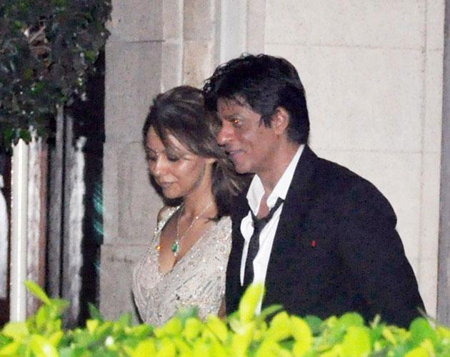 Shah Rukh Khan arrives with his wife Gauri