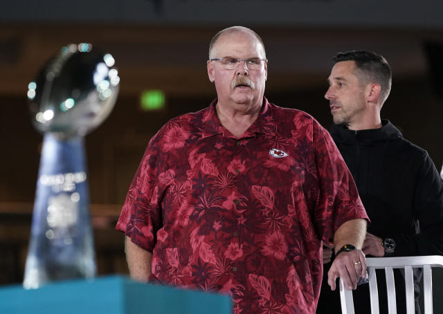 Kansas City Chiefs' coach Andy Reid (L) stands next to San Francisco 49ers coach Kyle Shanahan during Opening Night for the NFL Super Bowl 54 football game Monday, Jan. 27, 2020, at Marlins Park in Miami. (AP)