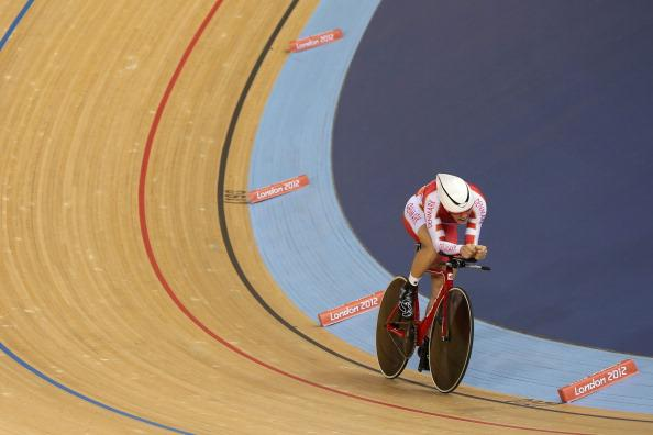 LONDON, ENGLAND - AUGUST 05:  Lasse Norman Hansen of Denmark competes in the Men's Omnium Track Cycling 4km Individual Pursuit on Day 9 of the London 2012 Olympic Games at Velodrome on August 5, 2012 in London, England.  (Photo by Jeff Gross/Getty Images)