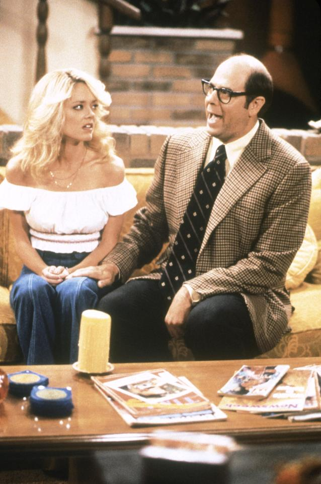 """Lisa Robin Kelly and Stephen Tobolowsky in the """"That '70s Show"""" episode, """"Laurie and The Professor."""""""