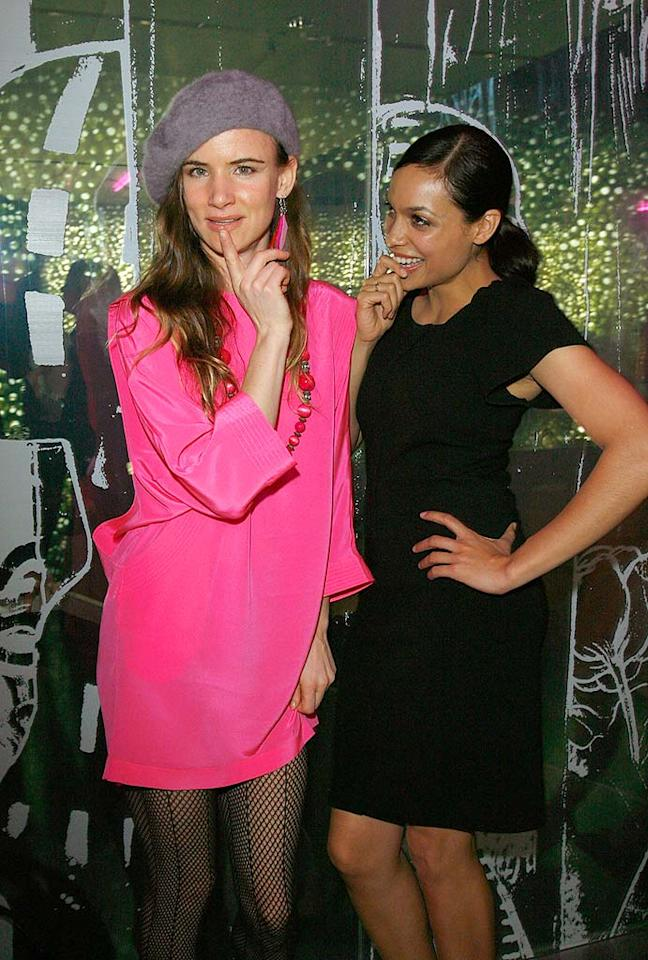 """Rosario Dawson could wear a potato sack paired with a fanny pack, and she would still look more pulled together than the fashion-challenged Juliette Lewis. Donato Sardella/<a href=""""http://www.wireimage.com"""" target=""""new"""">WireImage.com</a> - March 19, 2008"""