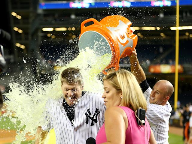 Hours after being traded to Yankees, Chase Headley delivers winning hit