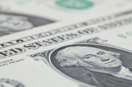 Dollar remains moderately higher ahead of U.S. data