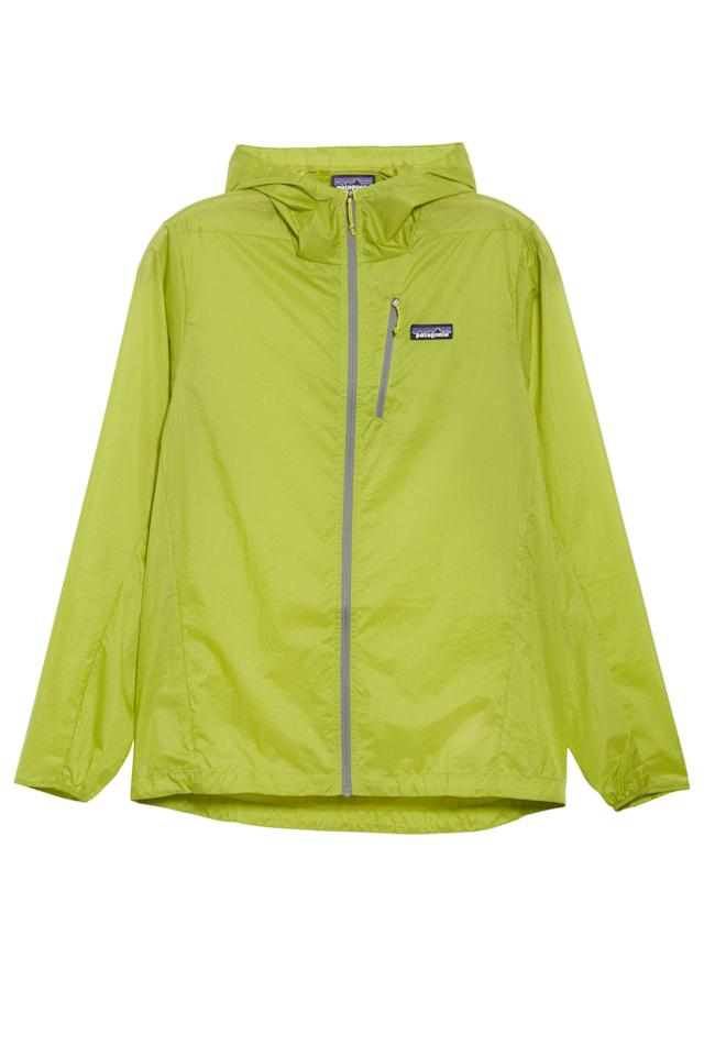 """<p><strong>Patagonia</strong></p><p>nordstrom.com</p><p><strong>$99.00</strong></p><p><a href=""""https://go.redirectingat.com?id=74968X1596630&url=https%3A%2F%2Fshop.nordstrom.com%2Fs%2Fpatagonia-houdini-water-repellent-hooded-jacket-men%2F5314577&sref=http%3A%2F%2Fwww.elle.com%2Ffashion%2Fshopping%2Fg27154167%2Ffather-to-be-gifts-ideas%2F"""" target=""""_blank"""">Shop Now</a></p><p>He's going to need a waterproof jacket when the baby gets fussy and...throw up-y. </p>"""