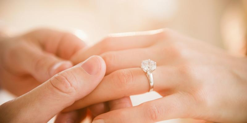 furious brides are accusing kay jewelers of swapping out the diamonds on their engagement rings - Kays Jewelry Wedding Rings