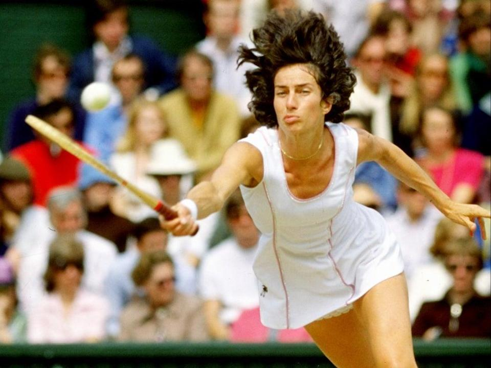 Virginia Wade competes in the 1977 Wimbledon final against Betty Stove (Tony Duffy/Allsport/Getty)