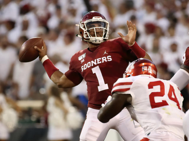 "<a class=""link rapid-noclick-resp"" href=""/ncaaw/teams/oklahoma/"" data-ylk=""slk:Oklahoma Sooners"">Oklahoma Sooners</a> quarterback Jalen Hurts (1) throws during the first half against the Houston Cougars. (USAT)"