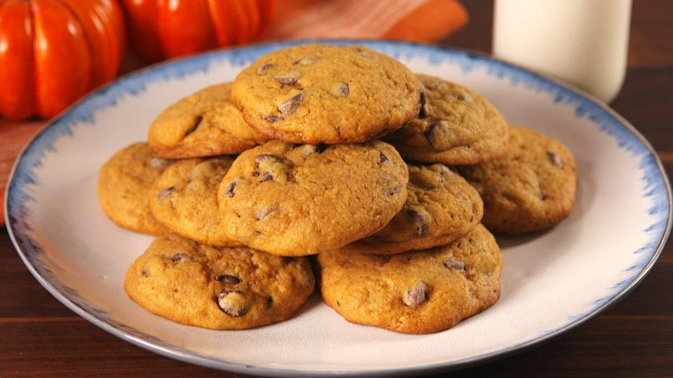 """<p>Fall in New Hampshire is about as gorgeous as it gets, and the locals don't see any reason to move on from their favorite seasonal flavors once the leaves fall. These<a href=""""https://www.delish.com/holiday-recipes/g2984/pumpkin-cookies/"""" rel=""""nofollow noopener"""" target=""""_blank"""" data-ylk=""""slk:pumpkin cookies"""" class=""""link rapid-noclick-resp""""> pumpkin cookies</a> with plenty of warm spices keep the autumn spirit alive.</p><p>Get the recipe from <a href=""""https://www.delish.com/cooking/recipe-ideas/recipes/a55742/pumpkin-spice-chocolate-chip-cookies-recipe/"""" rel=""""nofollow noopener"""" target=""""_blank"""" data-ylk=""""slk:Delish"""" class=""""link rapid-noclick-resp"""">Delish</a>.</p>"""