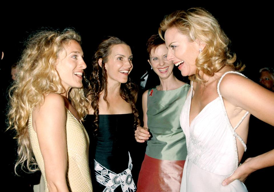 W4NBNC Sarah Jessica Parker, Kristin Davis, Cynthia Nixon And Kim Cattrall At The 1999 Emmy Awards HBO Party. Credit: 3090267Globe Photos/MediaPunch