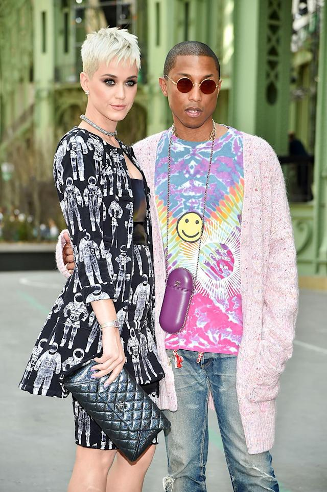 <p>The Chanel die-hards were fashion-forward. Fans of Cara Delevingne might notice that Perry's 'do looked a little like the model's. (Photo: Stephane Cardinale – Corbis/Corbis via Getty Images) </p>