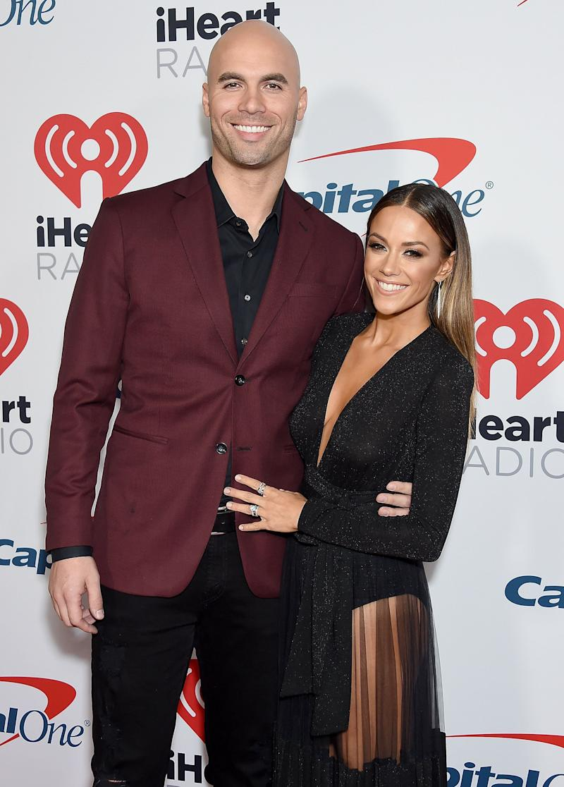 Mike Caussin and Jana Kramer. Image via Getty Images.