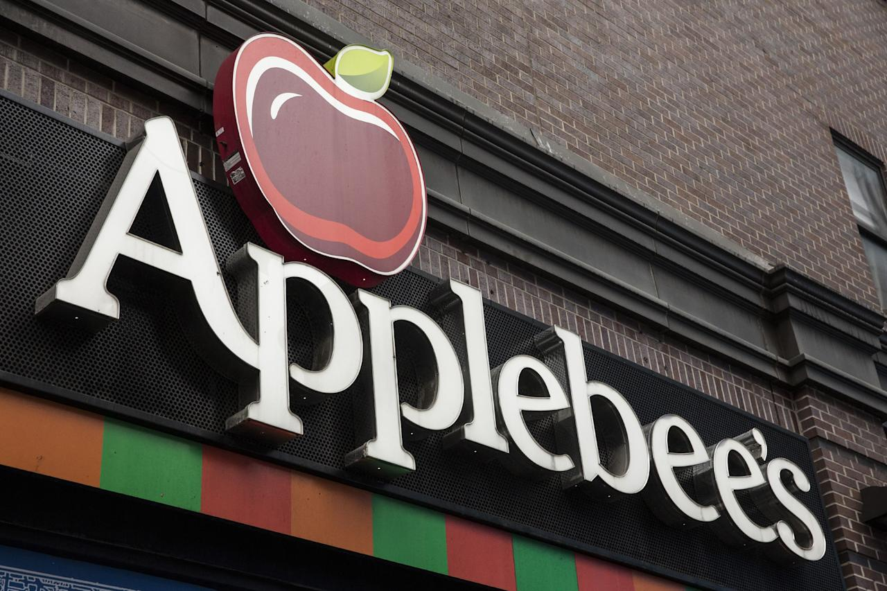"""<p>Applebee's has been a staple chain restaurant for almost 40 years. Specializing in American comfort classics such as ribs, burgers and quesadillas, Applebee's is a cornerstone in semi-fine dining, joined by other cult classics like Red Lobster, Olive Garden and, probably their fiercest competition, Chili's. To give you the insider info you deserve, we did some browsing on <a rel=""""nofollow"""" href=""""https://www.reddit.com/search?q=applebee%27s"""">Reddit</a> and found all the hits and misses, as told by current and former Applebee's employees. </p>"""