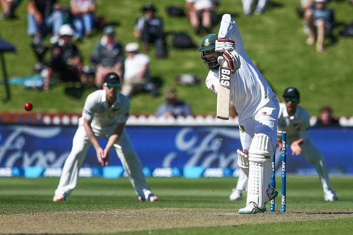 South Africa reach 123/4 vs New Zealand on rain-marred opening day