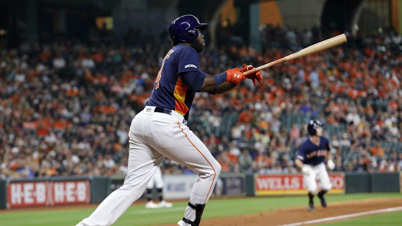 Astros score 21 runs in blowout win over Mariners