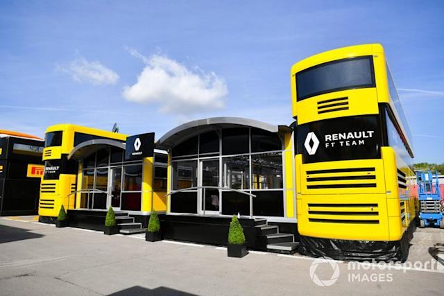 "Renault <span class=""copyright"">Mark Sutton / Motorsport Images</span>"