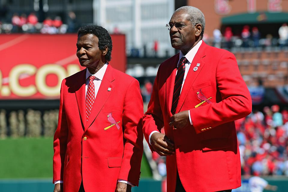 Cardinals Hall of Famers Lou Brock and Bob Gibson in 2016. (Photo by Jeff Curry/Getty Images)